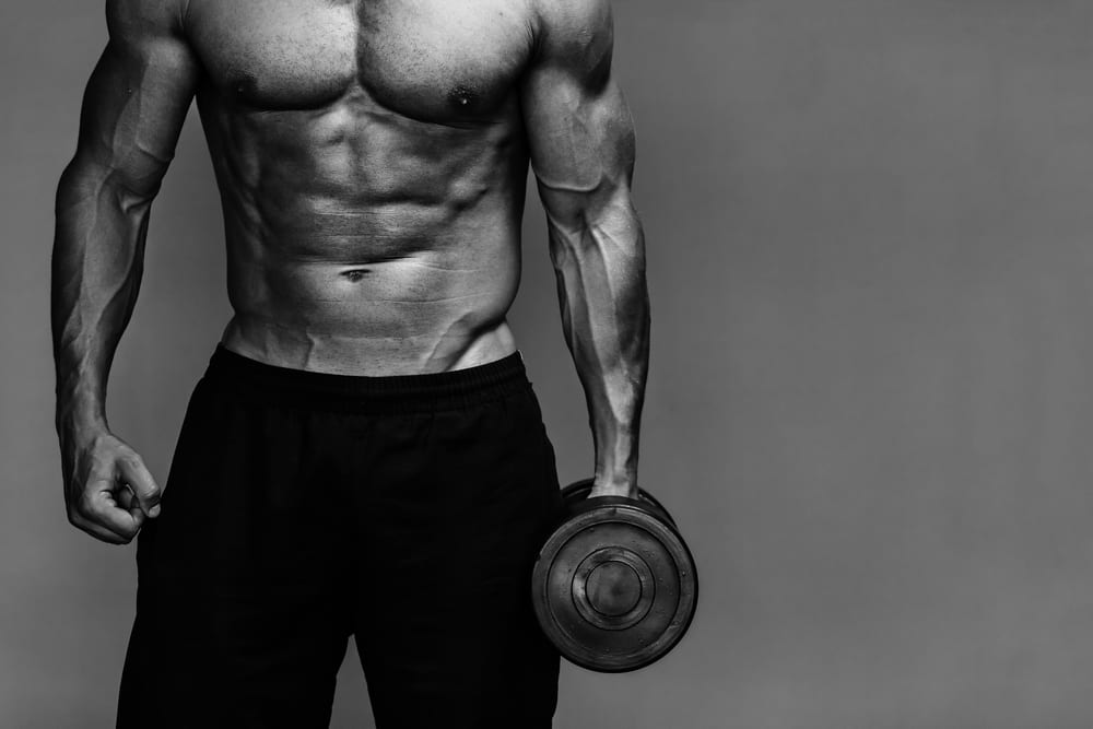 5 MUSCLE-KILLING MISTAKES THAT ARE KEEPING YOU SCRAWNY