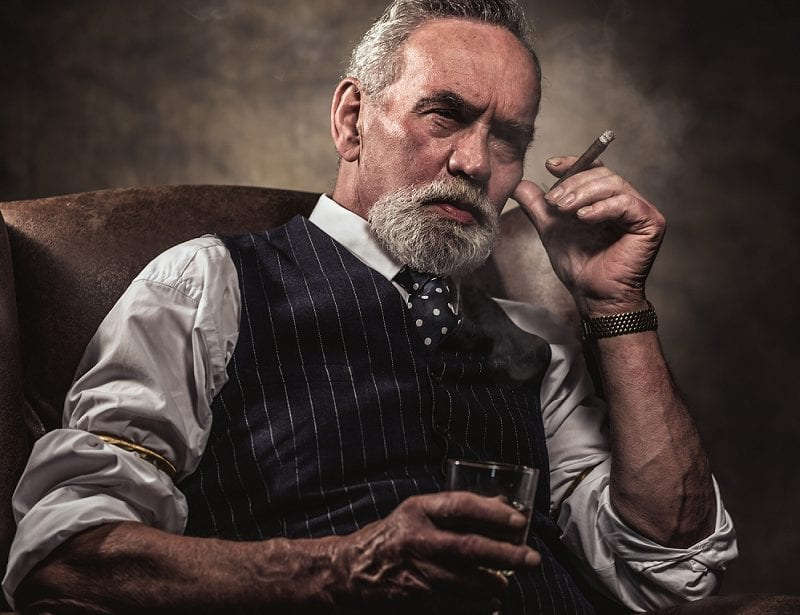 7 CIGARS EVERY MAN SHOULD SMOKE BEFORE HE KICKS THE BUCKET